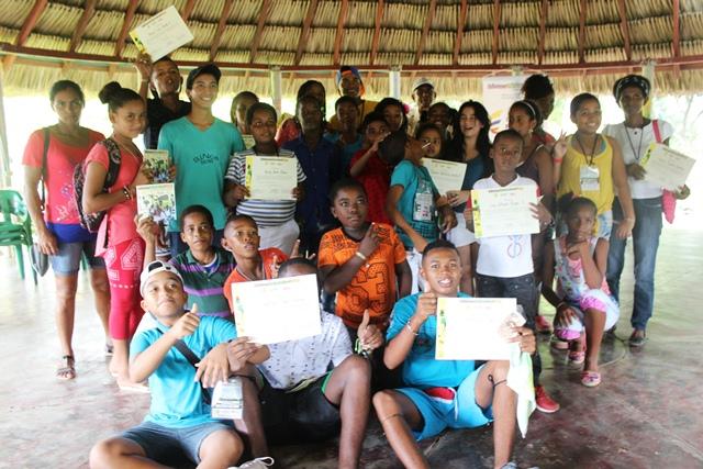 Había una vez unos niños y niñas tejiendo sueños colectivos en sus comunidades.